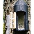 Casetta per pipistrelli particolarmente adatta per essere installata sugli alberi, viene utilizzata da decenni nel nord Europa con ottimi risultati.